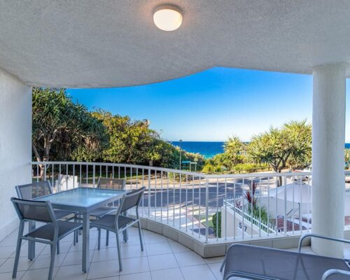 ocean-view-l1-sunshine-beach-apt2-2