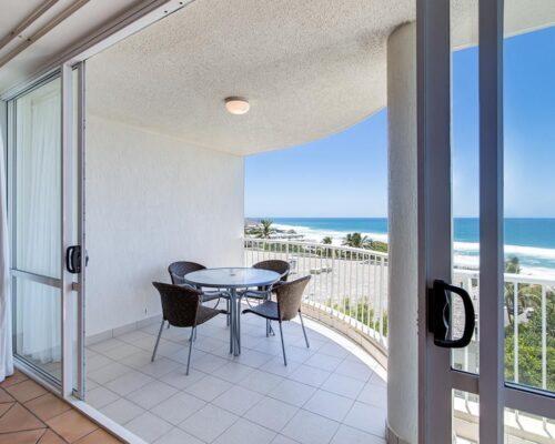 ocean-view-l2-sunshine-beach-apt15-2