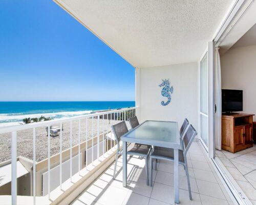 ocean-view-l2-sunshine-beach-apt17-1
