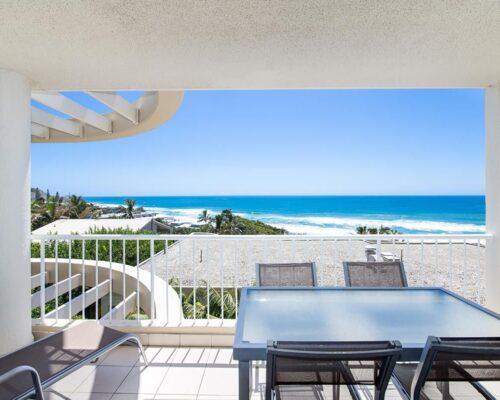 ocean-view-l2-sunshine-beach-apt17-2