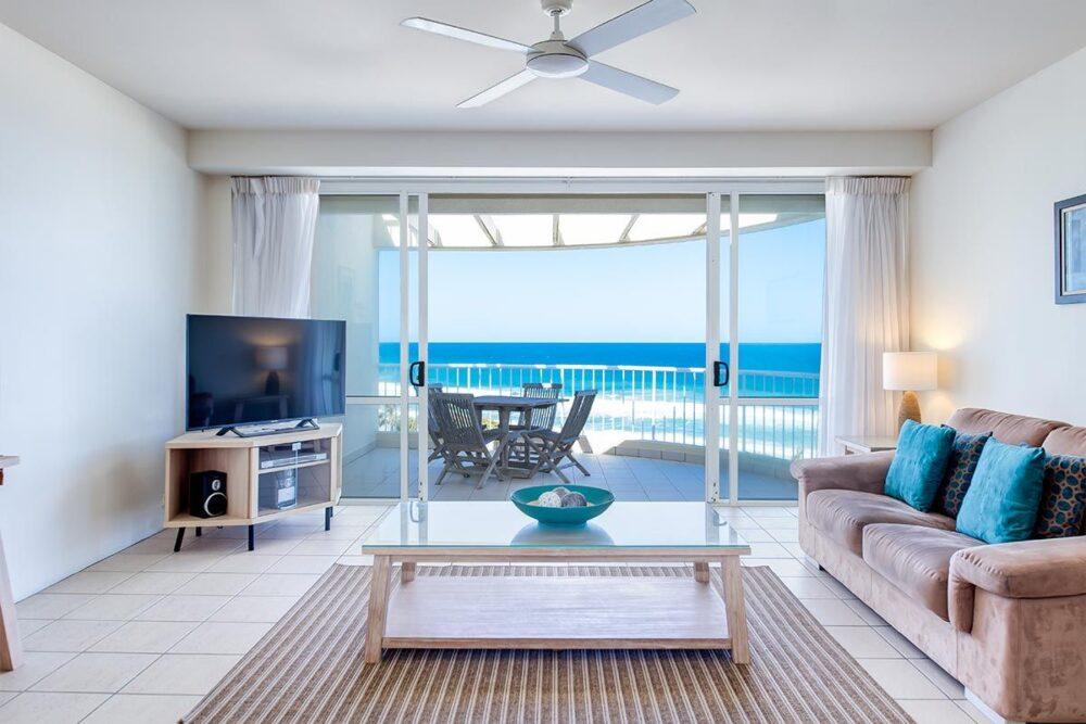 penthouse-sunshine-beach-apt19-2